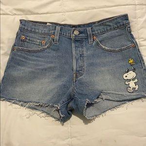 NWOT Levi's snoopy shorts